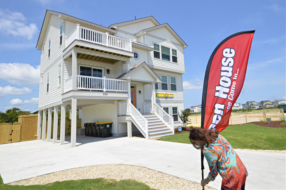 How to host a successful open house on the Outer Banks SAGA