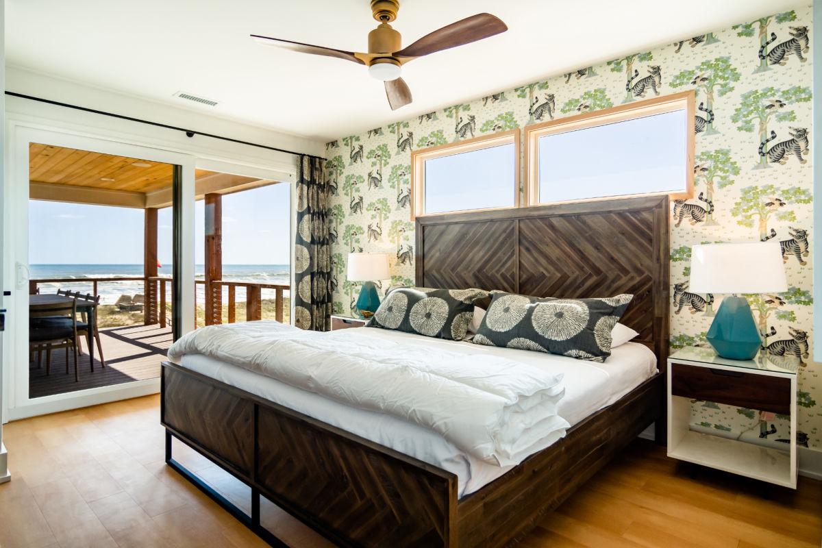 Go bold or go home bedroom wallpaper beach NL_SAGA