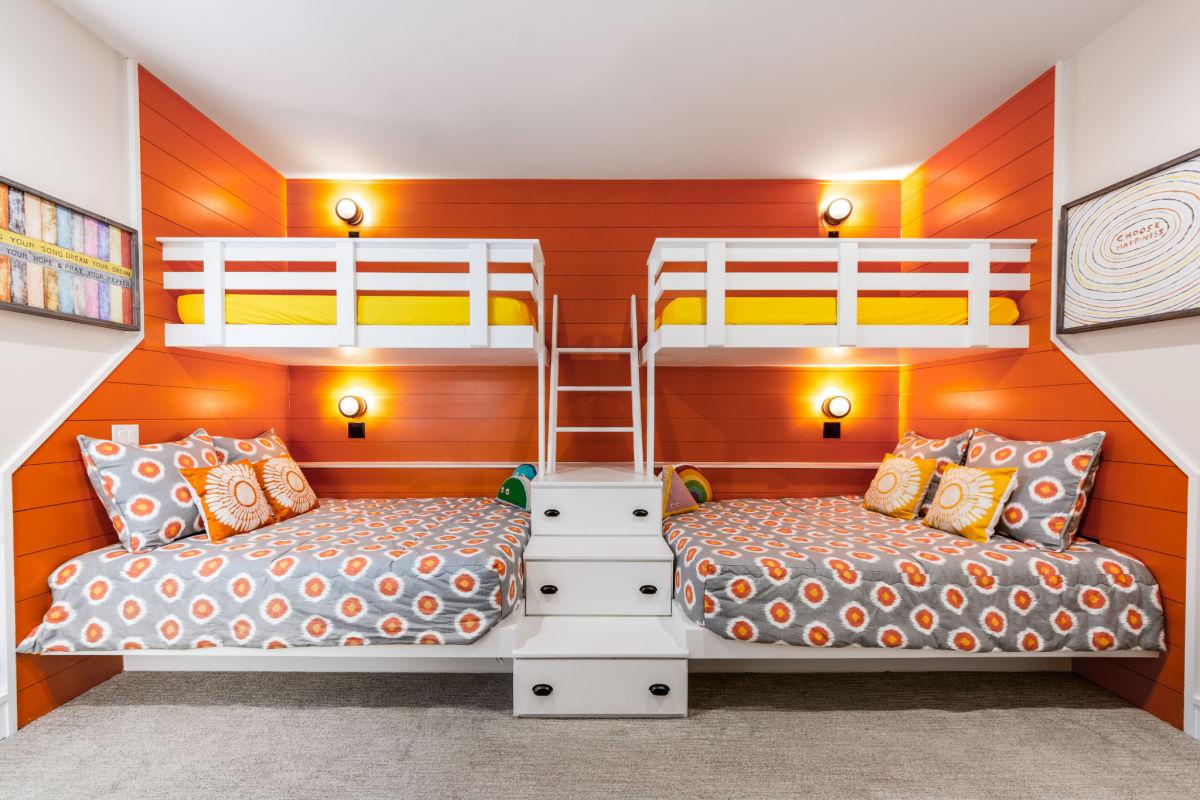 Go bold or go home kids bedroom beach NL_SAGA