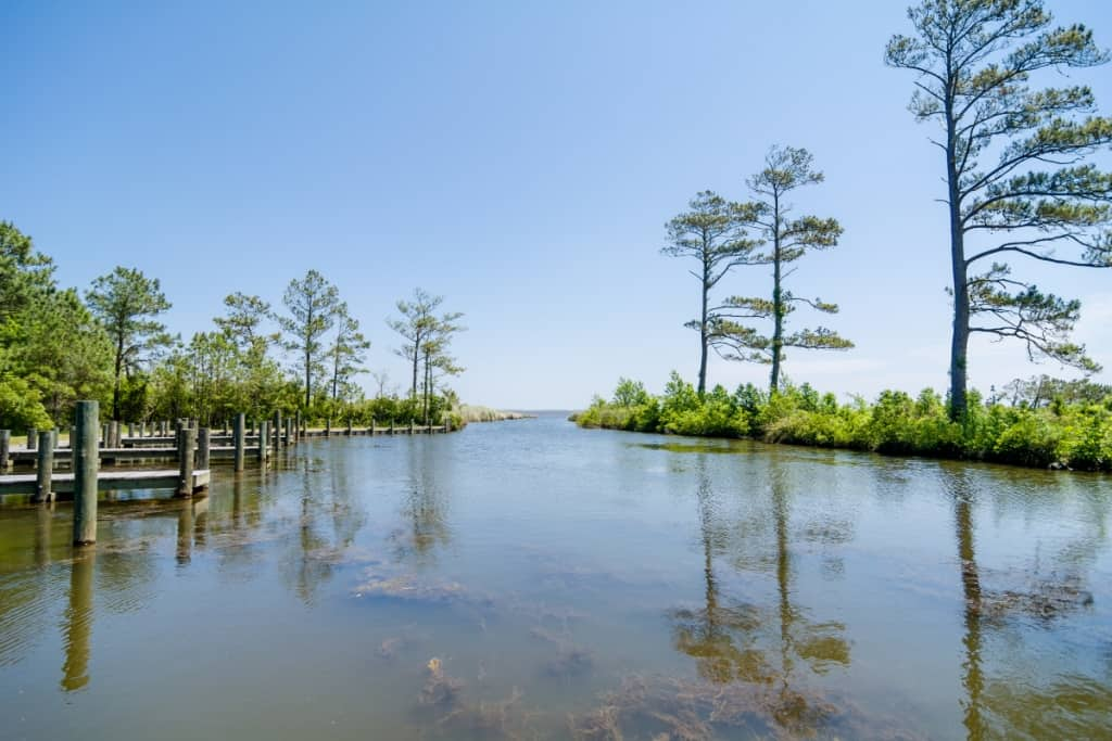 On the Currituck Sound: Beautiful coastal cottages by SAGA just a short drive to OBX Outer Banks beaches