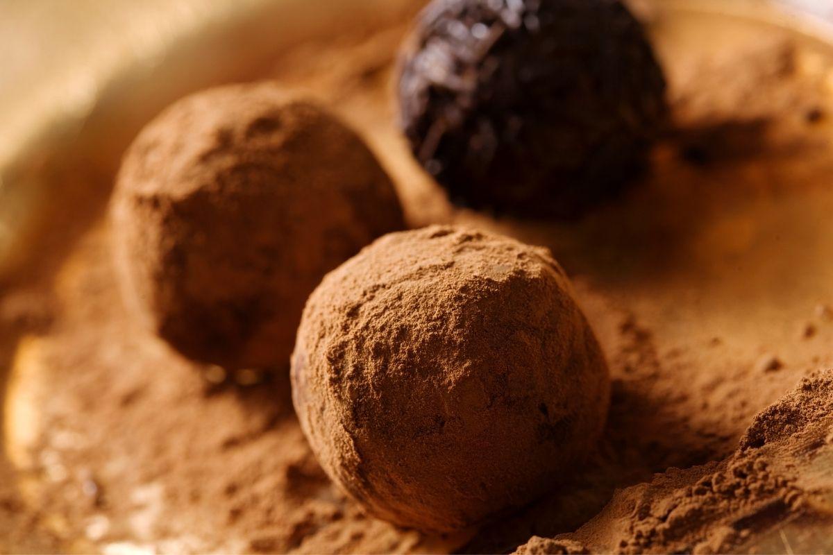 valentine Truffles easy cocoa powder (1)